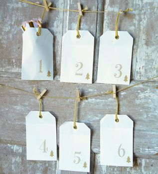 normal_envelope-and-peg-advent-calendar (1)
