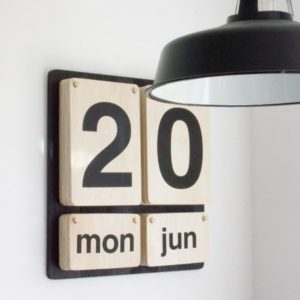 house-doctor-wooden-calendar_1024x1024